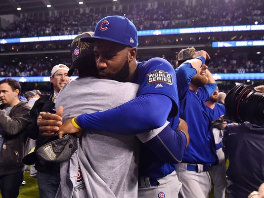 636137390529694880-USP-MLB-World-Series-Chicago-Cubs-at-Cleveland-In-004